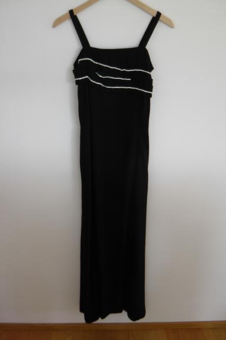 četné šaty, 36