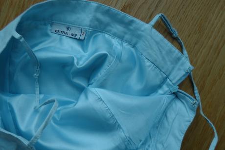 sv. modré šaty, 36