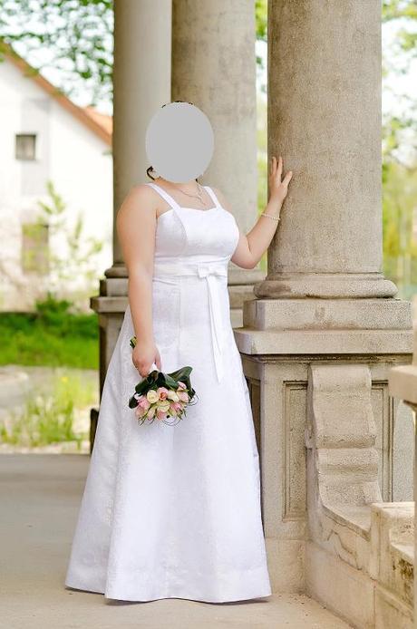 Dlhé biele svadobné šaty z brokátu, 46, 46