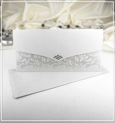 Bílé svatební oznámení ve tvaru obálky - G963A,