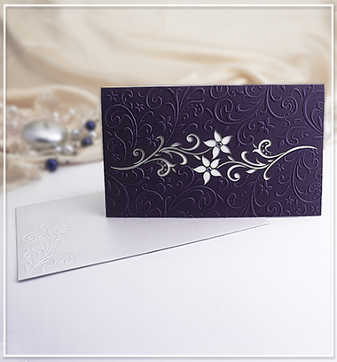 Fialové svatební oznámení s květinami - G910A,