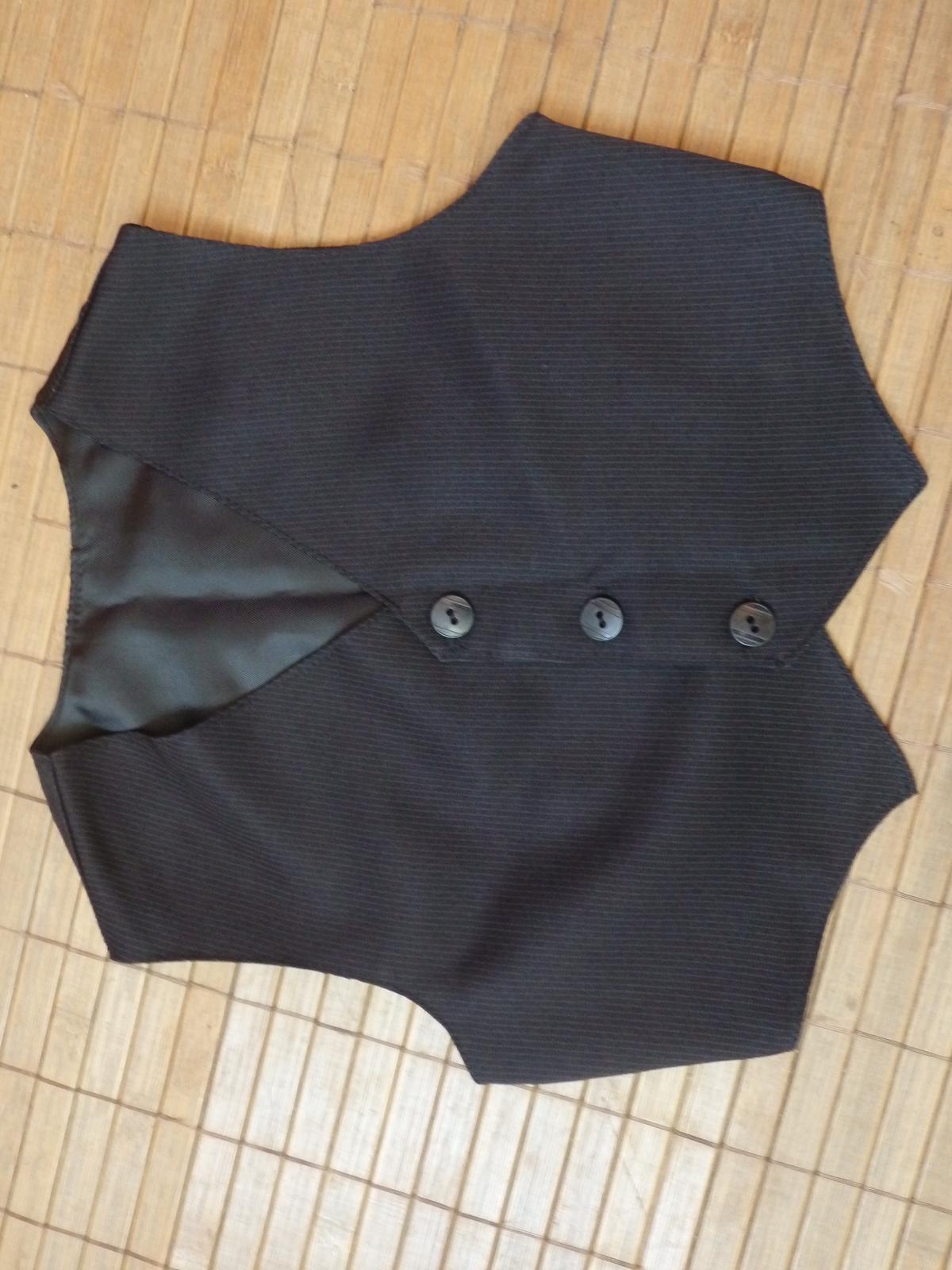 732b1d694806 Elegantné nohavice s vestičkou na 1-2rok