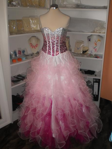 půjčím maturitní šaty, 36