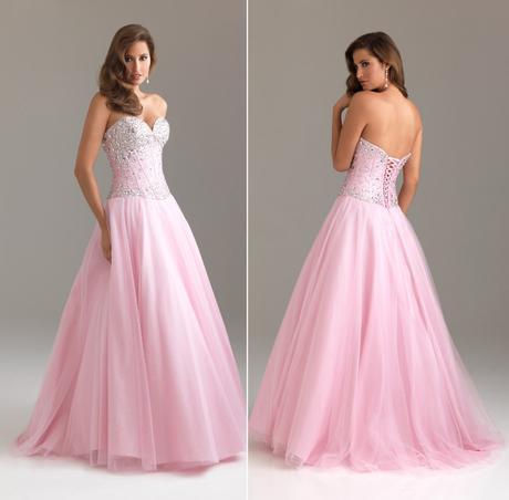 růžové šaty, 38