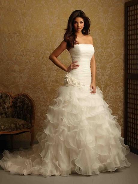 svatební šaty s vlečkou-sleva, 38