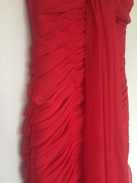 Šifónové šaty, 36