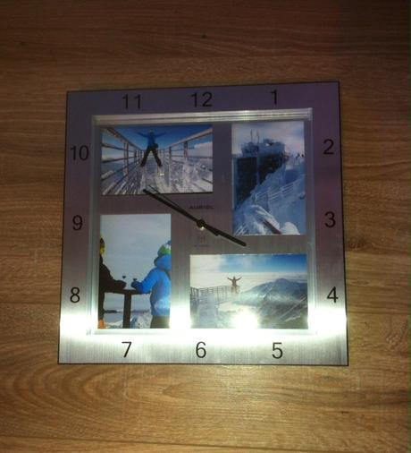 Nástenné hodiny s fotkami,