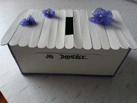 Krabička/pokladnička,