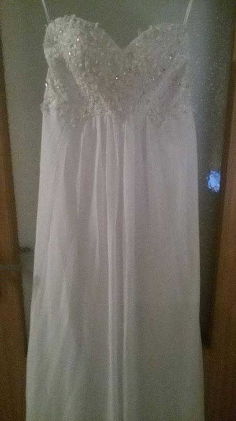 Jednoduché šaty, 42