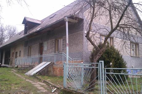 Rodinný dom v obci Ladomirová, okr. Svidník,