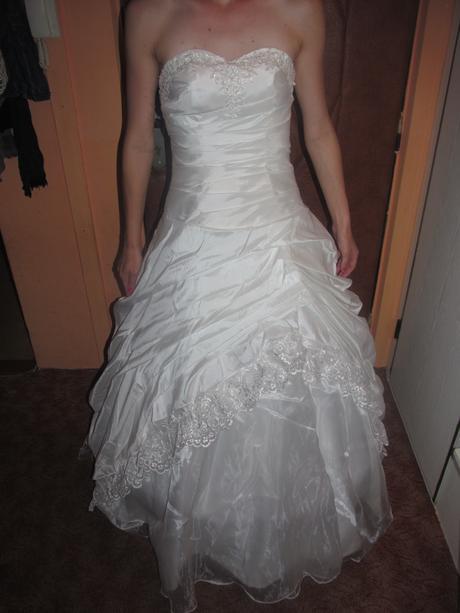 svatební šaty s krajkou, cena vč.pošty , 36