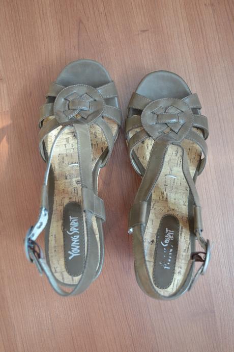 Sandálky na opätku, 38