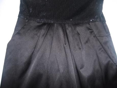 Čierne koktejlove šaty, S