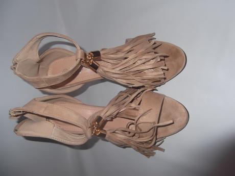 nenosené sandále so strapcami, 36