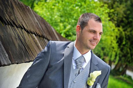 Svadobná vesta s fr.kravatou,vreckovkou a gombíkmi, 44