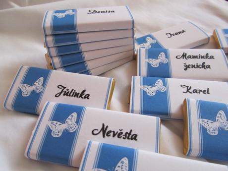 Čokoládové svatební jmenovky na přání, modré,