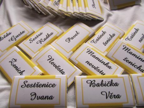 Čokoládové svatební jmenovky velké na přání žluté,