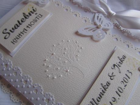 Svatební kniha hostů- butterfly champagne bílá,