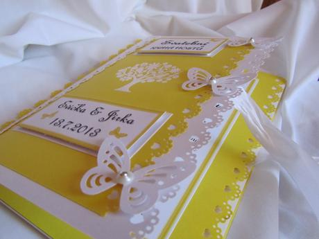 svatební kniha hostů- butterfly žlutá,