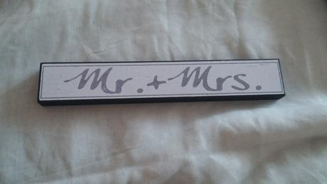 Mr.+ Mrs. nadpis,