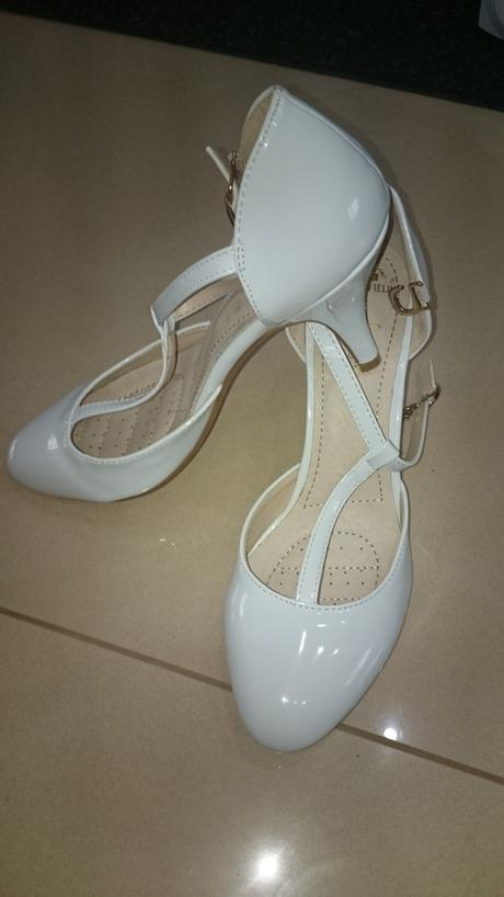 Nenosené topánky , 36