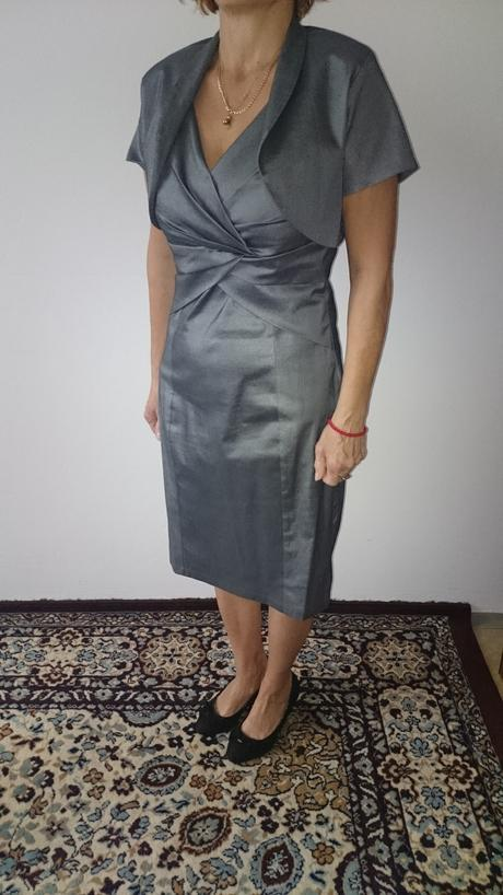 Šaty s bolerom, 44