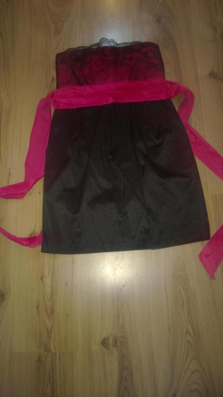 Krátke šaty, M