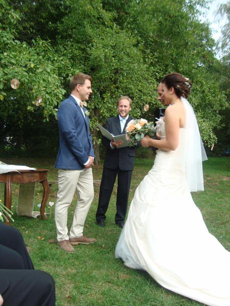 Svatební šaty perleťové barvy, 38