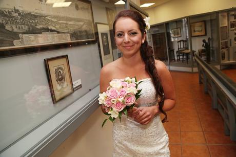Krajkové svatební šaty (36 - 38), 38