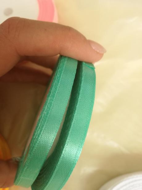 stužka mint, pastelová zelená,