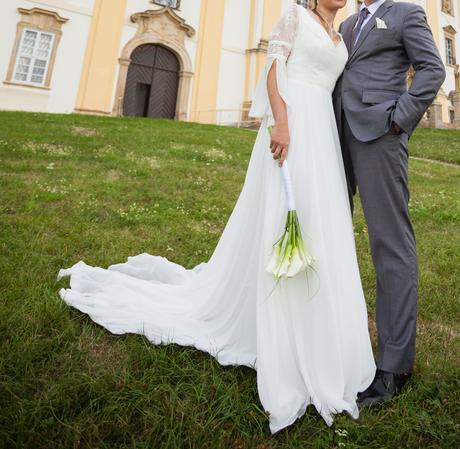 Šifonové šaty s vlečkou a tříčtvrtečním rukávkem, 36