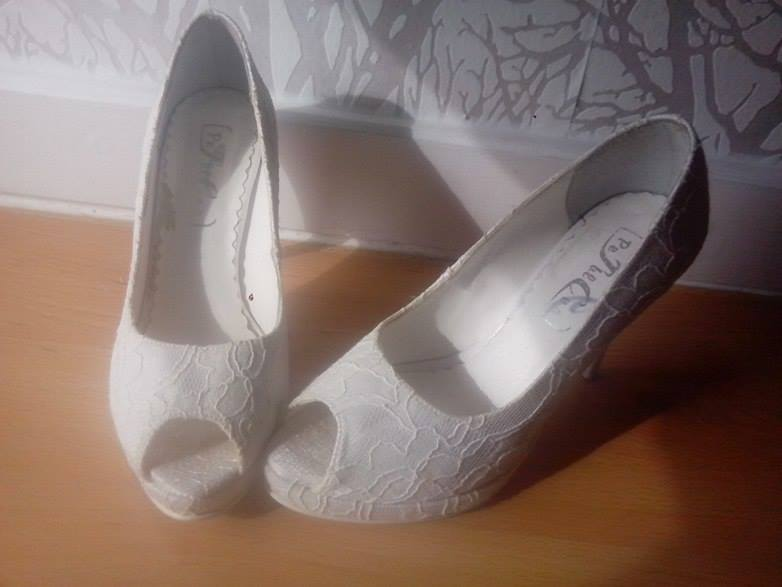 db1adc157fc0 Čipkované svadobné topánky