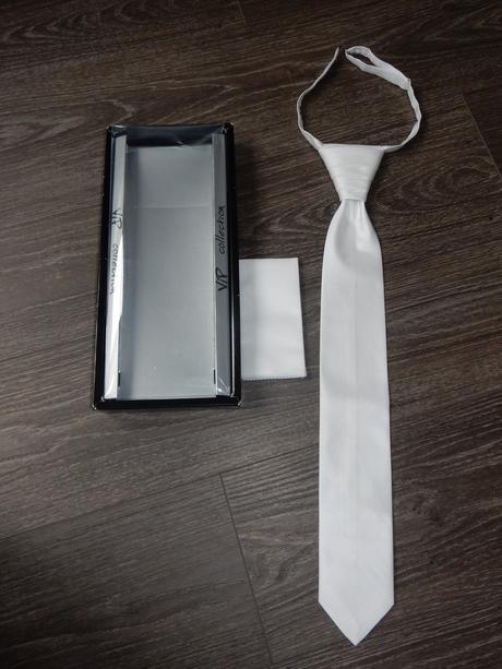 Bílá svatební kravata regata,