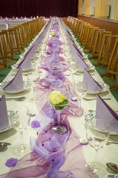 dekorace nejen na svatební stůl pro cca 100 lidí,