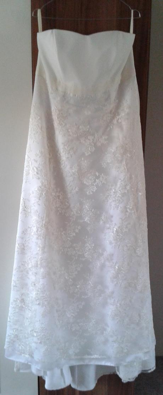 svatební šaty (vhodné i pro těhotné), 48