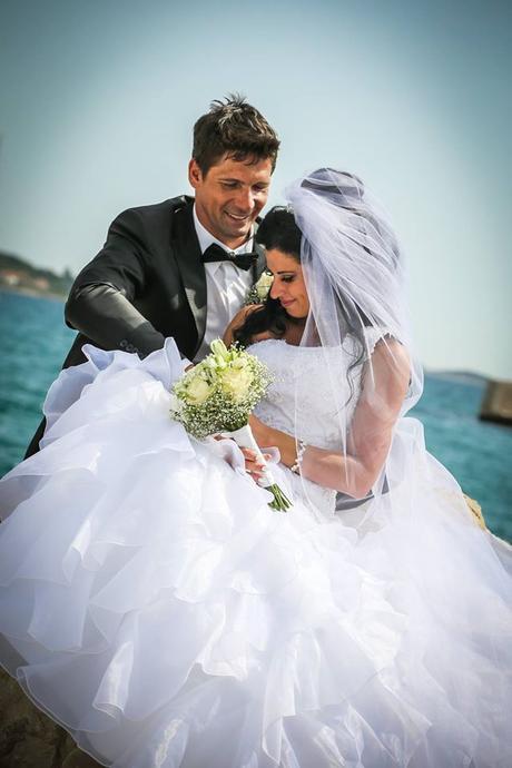 Na predaj luxusné svadobné šaty velkosť S/M, 37
