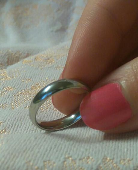 Snubní prsteny a jeden zásnubní ,