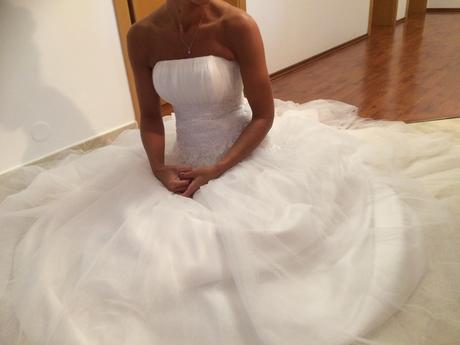 Svatební korzetové šaty pro každou velikost, 38