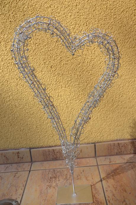 srdce z drátků s perličkama,