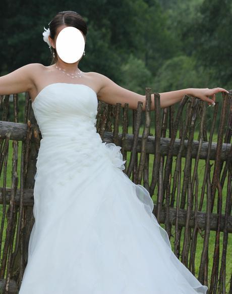 Svatební šaty-šampáň., 38