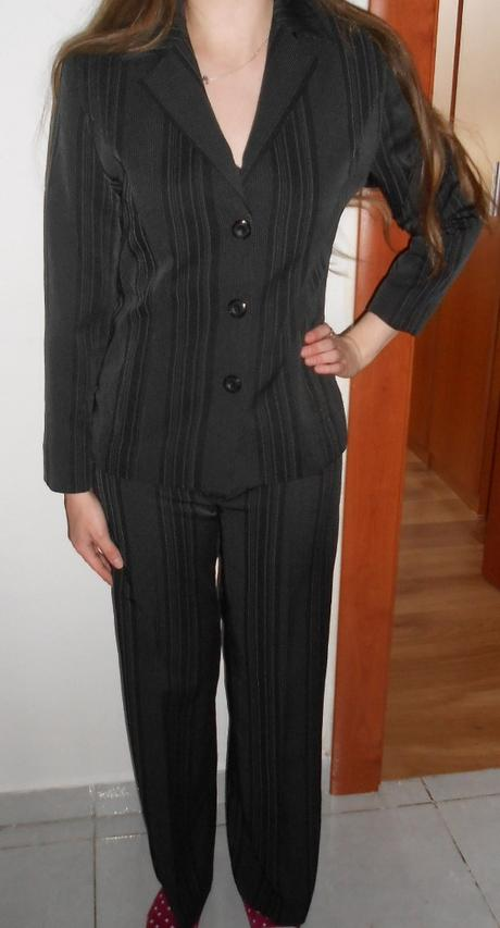 nohavicový kostýmček, 36