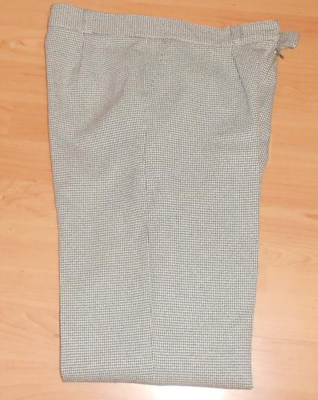 nohavicový kostýmček, 42