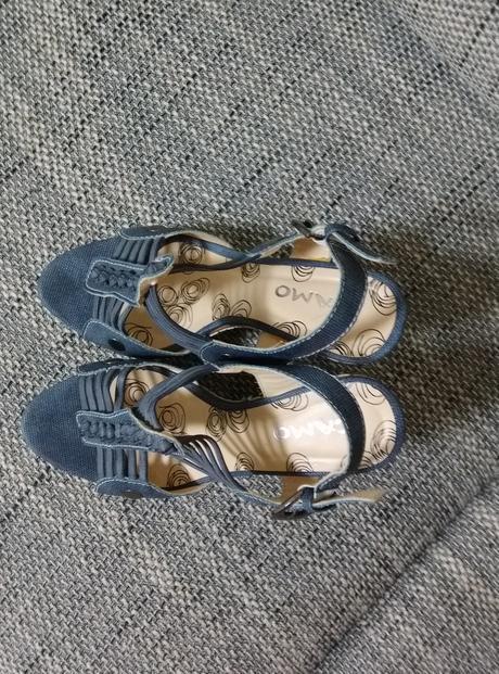 Sandálky na klínku, 38