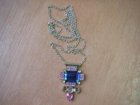 2 x náhrdelník,