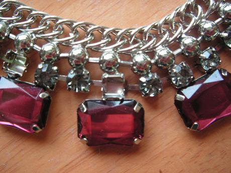náhrdelník + darček,