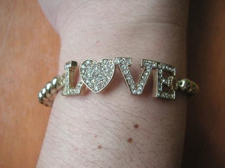 náramok Love,