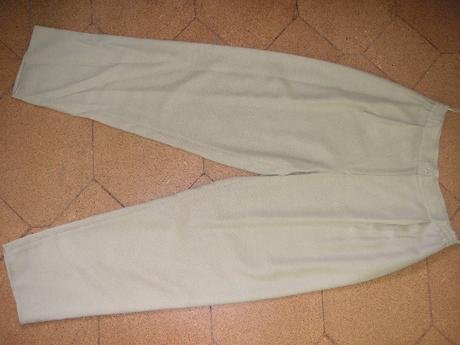 nohavicový kostým, 40