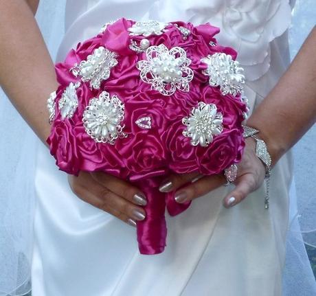 Svatební kytice Eva + korsáž + spona do vlasů,