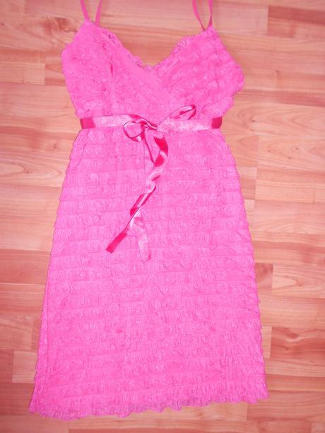 Krátke ružové šaty, 38
