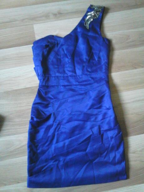 fialové šaty na 1 ramienko, 34